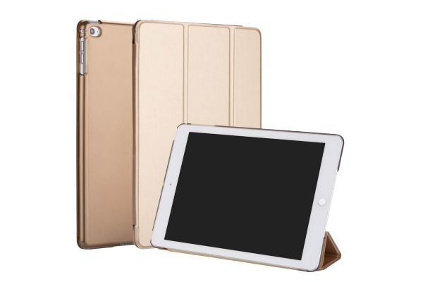 iPad 2018 9.7 inch Hard Tri-Fold Book Cover Goud