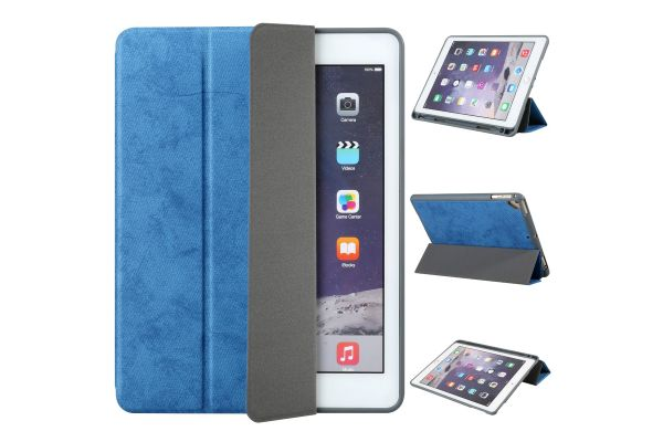 iPad 2018 9.7 inch Book Cover Suede Look Blauw