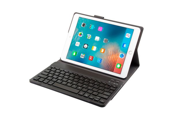 iPad 2017 9.7 inch hoes met toetsenbord en led verlichting ultra slim Zwart